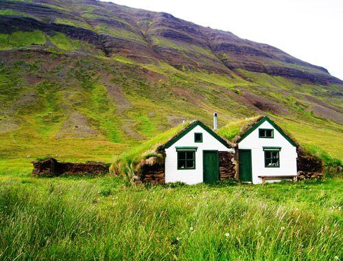 island rundt med bus oplev islands kultur og natur. Black Bedroom Furniture Sets. Home Design Ideas